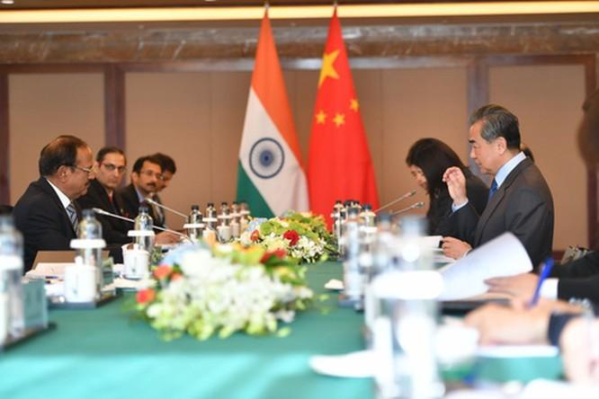 Nóng: Trung Quốc và Ấn Độ đã bắt đầu lui quân, nhưng khu vực hồ Pangong vẫn căng thẳng ảnh 1