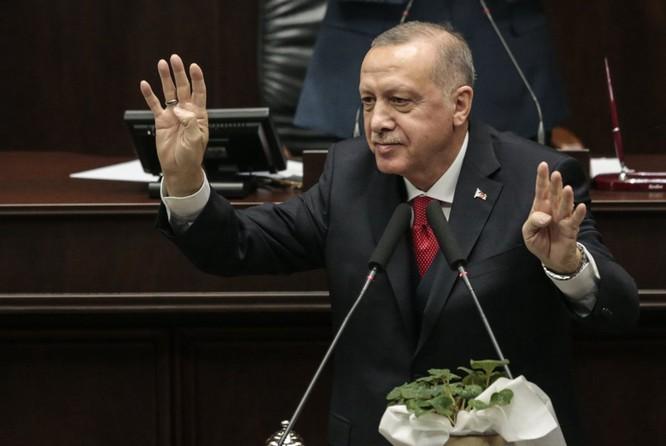 """Vì sao Thổ Nhĩ Kỳ bị """"máy bay lạ"""" tấn công thiệt hại nặng nề mà im hơi lặng tiếng? ảnh 4"""