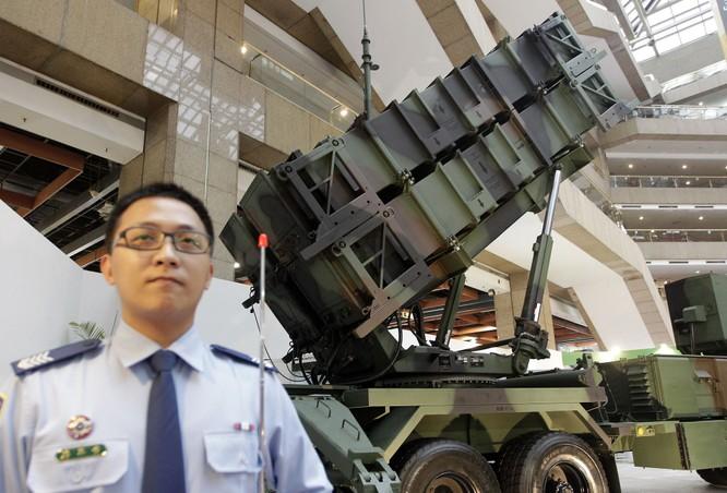 Washington bán tên lửa phòng không cho Đài Loan, Bắc Kinh giận dữ trừng phạt công ty vũ khí Mỹ ảnh 2