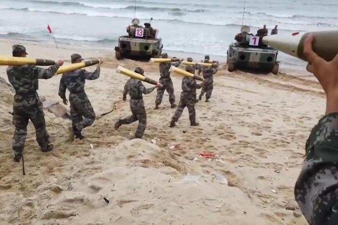 Giữa lúc Trung Quốc tập trận đe dọa Đài Loan, B-1B Mỹ áp sát ADIZ Trung Quốc ảnh 2