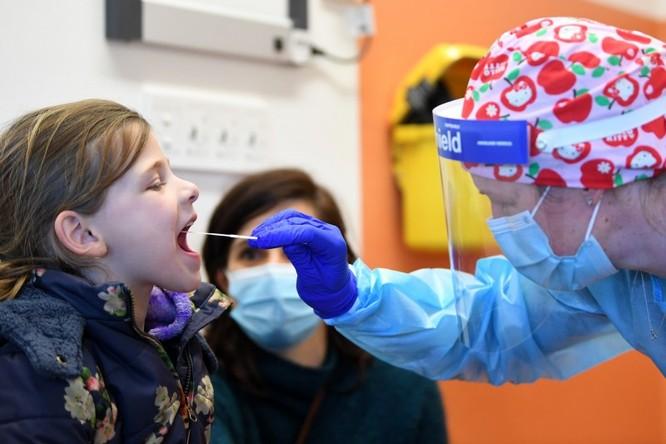 ĐH Yale phát minh phương pháp xét nghiệm virus corona mới qua nước bọt, FDA đã phê duyệt ảnh 2