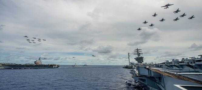 """PLA nửa đêm tố cáo tàu chiến Mỹ """"xâm nhập"""", Bộ trưởng Esper tuyên bố không nhượng bộ dù một tấc đất ảnh 3"""