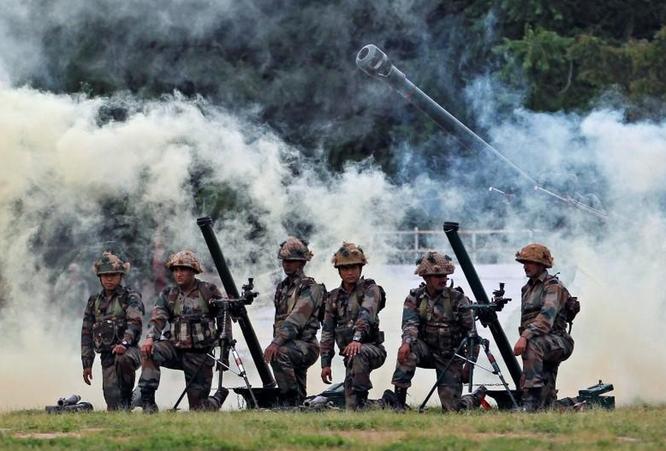 Ấn Độ tăng quân ra biên giới, cho phép dùng mọi biện pháp chống lại quân đội Trung Quốc ảnh 1
