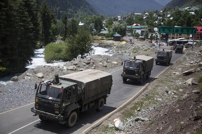 Ấn Độ tăng quân ra biên giới, cho phép dùng mọi biện pháp chống lại quân đội Trung Quốc ảnh 4