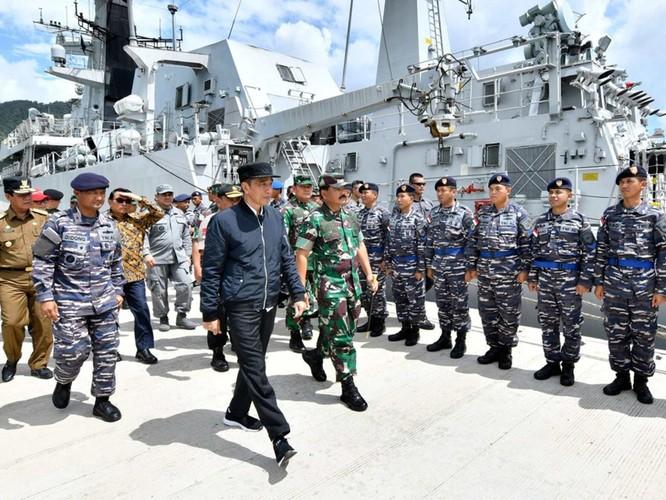 Tàu hải cảnh Trung Quốc xâm nhập vùng biển Natuna bị chiến hạm Indonesia xua đuổi ảnh 2