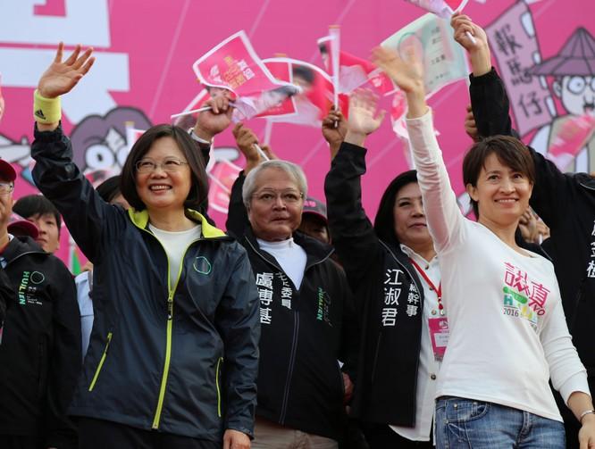 """Sóng gió quanh việc bà Tiêu Mỹ Cầm tự xưng """"Đại sứ Đài Loan tại Mỹ"""" ảnh 3"""