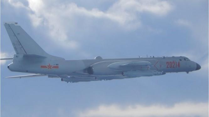 Cục diện quan hệ Mỹ-Trung-Đài phía sau vụ máy bay PLA vượt qua đường trung tâm eo biển ảnh 1