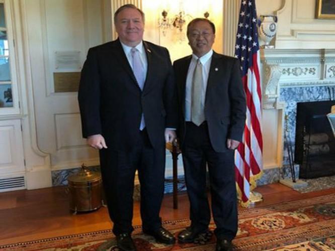 """Xôn xao vụ học giả người Hoa, cố vấn của Ngoại trưởng Mỹ bị coi là """"Hán gian"""" và đuổi khỏi họ tộc ảnh 2"""
