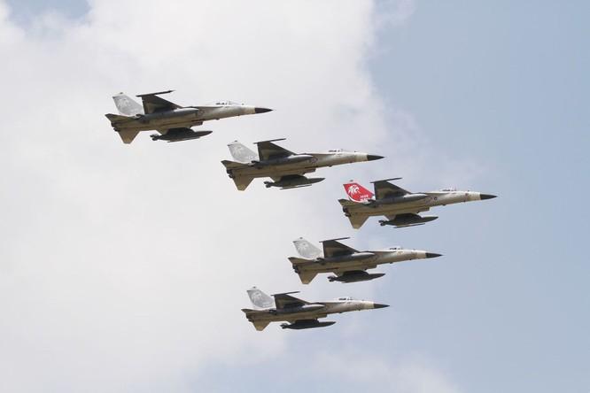 Tình hình eo biển căng thẳng, quân đội Đài Loan diễn tập đánh chặn máy bay PLA ảnh 2