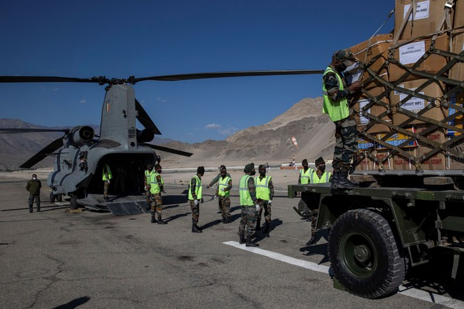 Đàm phán bế tắc, quân đội Ấn Độ chuẩn bị đối đầu trong mùa Đông với PLA trên biên giới tranh chấp ảnh 3