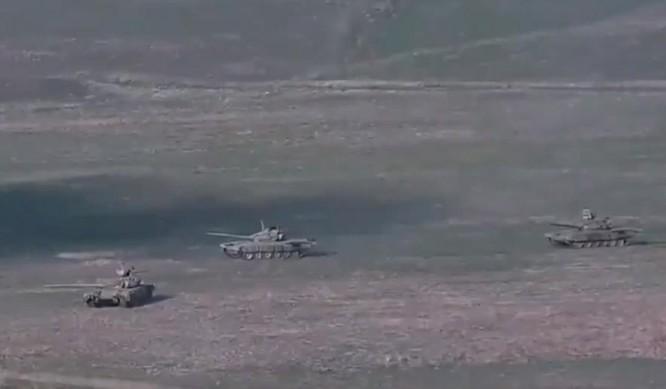 Bùng nổ xung đột dữ dội với Azerbaijan tại khu vực Nagorno-Karabakh, Armenia ra lệnh tổng động viên ảnh 2