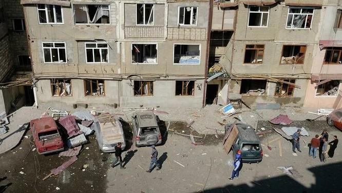 Xung đột Armenia-Azerbaijan: Chiến sự lan ra các thành phố, nhiều dân thường hai bên thương vong ảnh 1