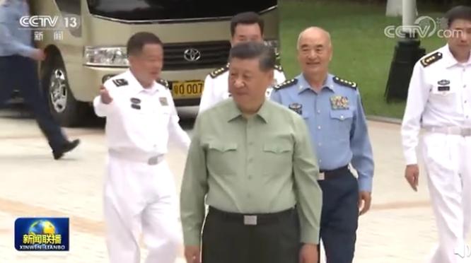 Ông Tập Cận Bình và bà Thái Anh Văn đi thị sát quân đội giữa lúc tình hình căng thẳng ảnh 1