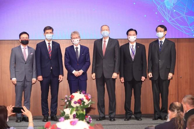 Nghị sĩ lưỡng đảng Mỹ cùng đề xuất nâng cấp quan hệ toàn diện với Đài Loan ảnh 2