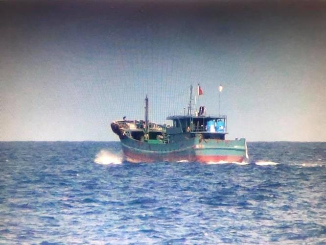 Trung Quốc cho hàng trăm tàu bao vây đảo, lực lượng chấp pháp Đài Loan cho tàu xua đuổi ảnh 2