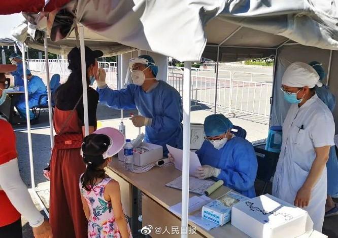 Trung Quốc: Tân Cương bùng phát đợt dịch thứ 3, phát hiện 138 người nhiễm COVID-19 không triệu chứng ảnh 2