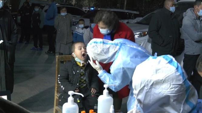 Trung Quốc: Tân Cương bùng phát đợt dịch thứ 3, phát hiện 138 người nhiễm COVID-19 không triệu chứng ảnh 3