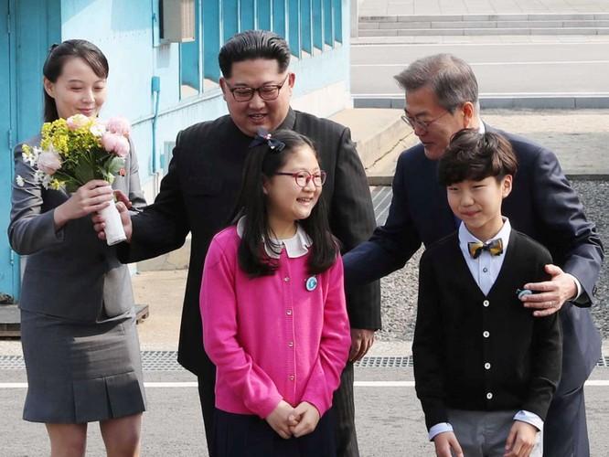 Triều Tiên: Đại tá Hyon Song-wol thay thế vai trò của bà Kim Yo-jong bên cạnh lãnh tụ Kim Jong-un ảnh 5
