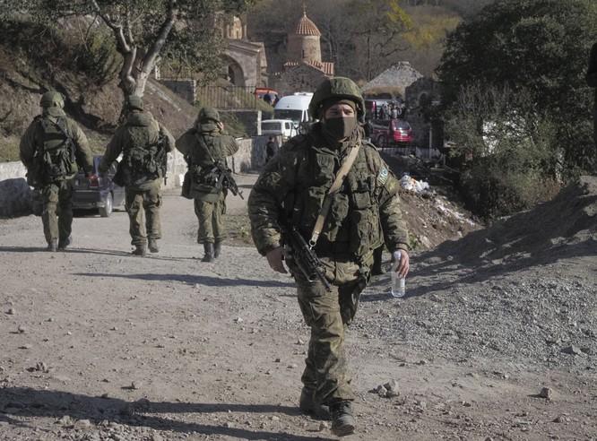 Armenia hỗn loạn sau khi ký hiệp định ngừng bắn: dân chúng tự đốt nhà bỏ đi, Ngoại trưởng từ chức... ảnh 4