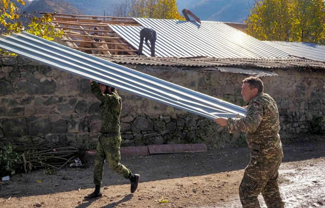 Armenia hỗn loạn sau khi ký hiệp định ngừng bắn: dân chúng tự đốt nhà bỏ đi, Ngoại trưởng từ chức... ảnh 6