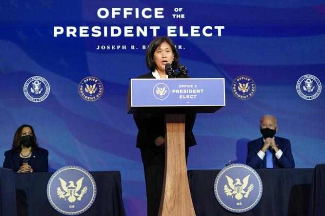 Vì sao ông Joe Biden chọn bà Katherine Tai làm Đại diện Thương mại khiến Trung Quốc lo ngại? ảnh 1