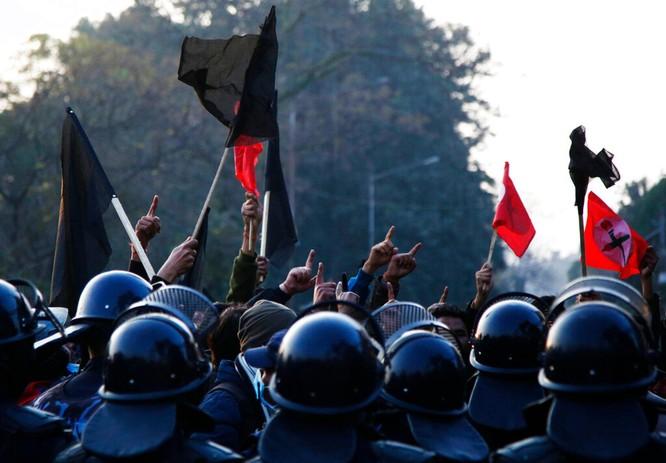 Không chấp nhận Trung Quốc hòa giải, Thủ tướng Nepal cự tuyệt rút lại lệnh giải tán Hạ nghị viện ảnh 2