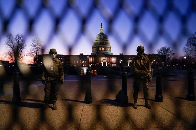 Nước Mỹ chuẩn bị cho Lễ nhậm chức của ông Biden như sắp có chiến tranh ảnh 2