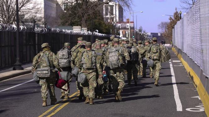 Nóng: Lo ngại ông Biden bị ám sát, 12 lính Vệ binh Quốc gia bảo vệ lễ nhậm chức bị loại vào giờ chót ảnh 4