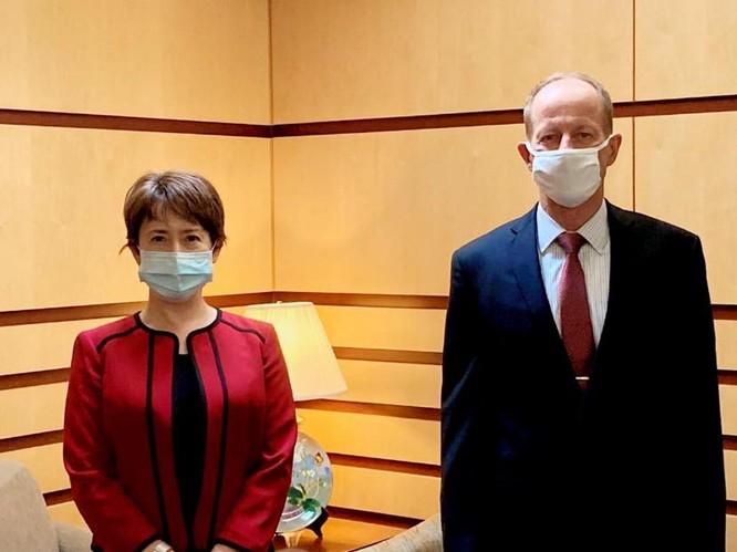 Tuyên bố lệnh trừng phạt 28 quan chức chính quyền Trump giữa đêm khuya, Trung Quốc muốn gì? ảnh 4