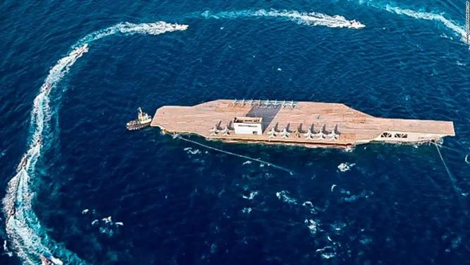 Chuẩn bị ứng phó tàu sân bay Mỹ, Hải quân Iran trang bị thêm 340 xuồng cao tốc mang tên lửa ảnh 3