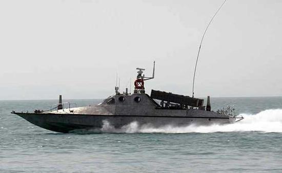 Chuẩn bị ứng phó tàu sân bay Mỹ, Hải quân Iran trang bị thêm 340 xuồng cao tốc mang tên lửa ảnh 5