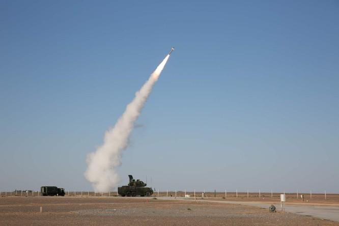 """Trung Quốc trình làng hệ thống tên lửa đánh chặn mới mang tên """"Thợ săn tầm thấp"""" ảnh 2"""