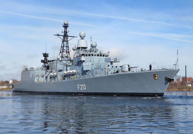 """Cựu Tư lệnh NATO: Mỹ sẽ tiến hành """"chiến tranh du kích"""" với Trung Quốc trên Biển Đông ảnh 2"""