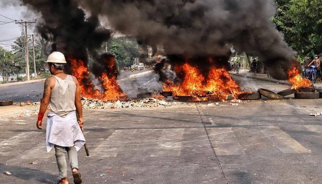 Điều gì khiến những người biểu tình Myanmar đốt phá các công ty Trung Quốc? ảnh 1