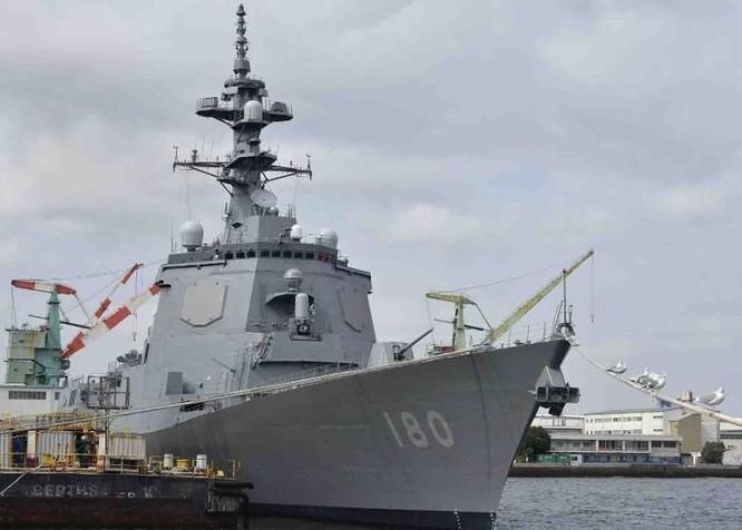 Giữa lúc căng thẳng, Trung Quốc đưa tàu vạn tấn vào biển Nhật Bản, Nhật trang bị thêm tàu khủng ảnh 2