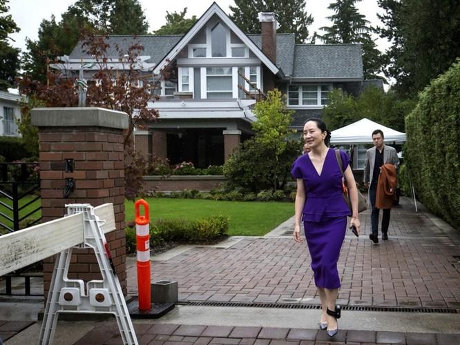 Chưa từng có: các nhà ngoại giao gần 30 nước đến tòa án Bắc Kinh phản đối xét xử công dân Canada ảnh 4