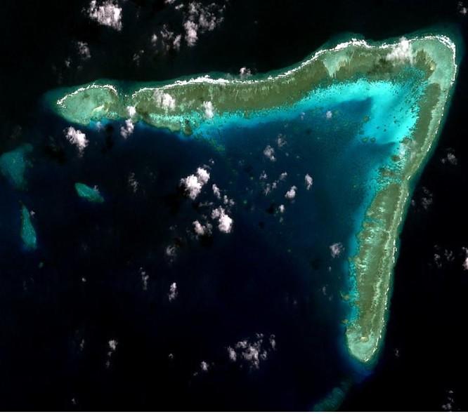Philippines phản đối Trung Quốc tập kết 220 tàu dân quân biển ở đá Ba Đầu ảnh 3