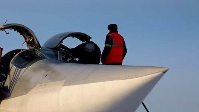 Tai nạn hy hữu, 3 phi công chiến đấu Nga thiệt mạng vì bị phóng ra khi máy bay còn trên mặt đất ảnh 2