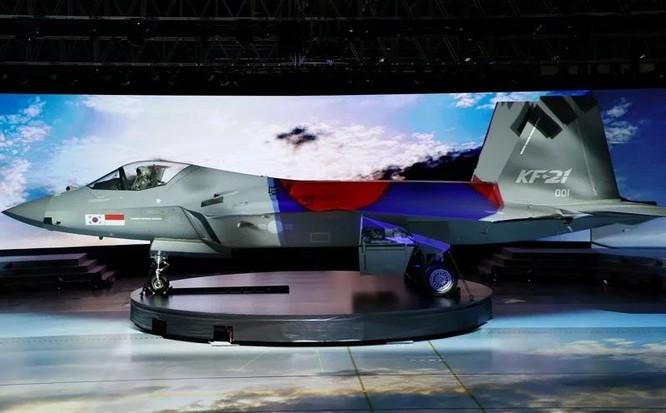 Hàn Quốc trình làng máy bay chiến đấu siêu thanh tự chế KF-21 ảnh 2