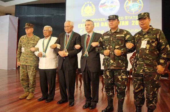 Đối phó hành động gây hấn của Trung Quốc, Philippines nối lại quan hệ hợp tác quân sự với Mỹ ảnh 2