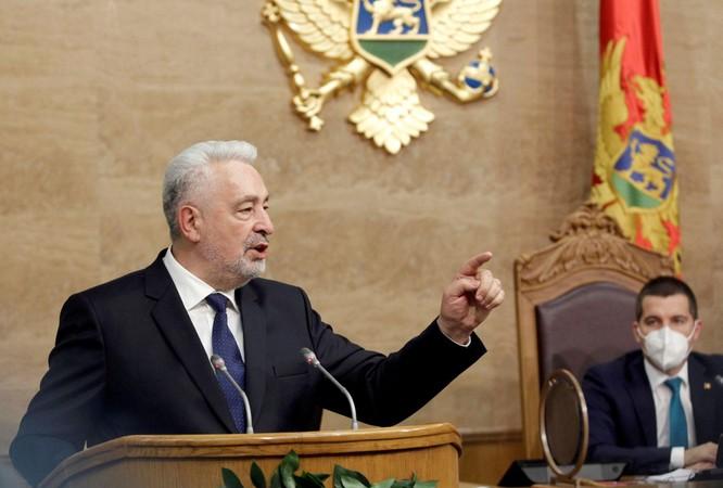 Vay tiền Trung Quốc làm đường, Montenegro có nguy cơ phải gán đất thế chấp để trả nợ ảnh 1