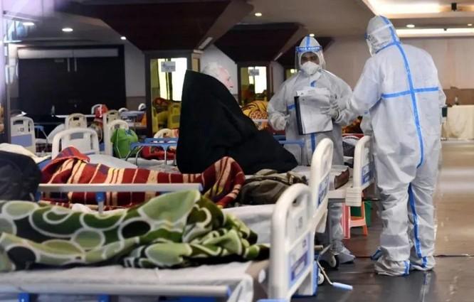 """Vì sao Ấn Độ đột ngột """"vỡ trận"""" đại dịch COVID-19, hơn 200 ngàn người nhiễm SARS-CoV-2 mỗi ngày? ảnh 4"""