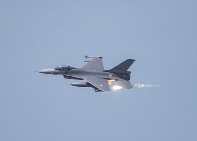 Bất chấp Trung Quốc phản đối, Mỹ sắp công bố đợt bán vũ khí mới pháo tự hành M-109A6 cho Đài Loan ảnh 4