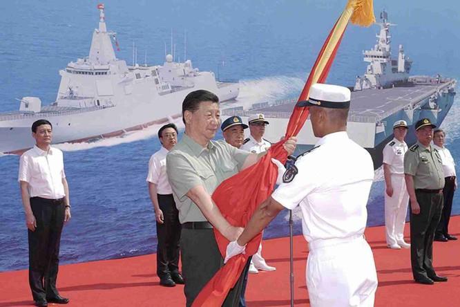 Giải mã ý đồ của Trung Quốc khi cùng lúc đưa vào biên chế 3 chiến hạm hiện đại nhất ảnh 1