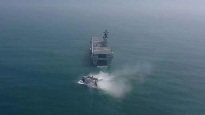 Khám phá tàu tấn công đổ bộ Hải Nam được truyền thông Trung Quốc hết lời ca ngợi ảnh 2