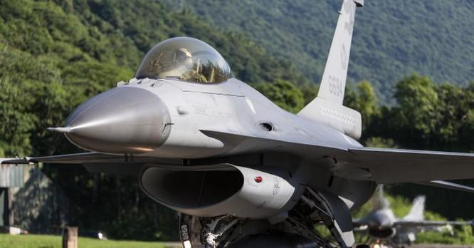 Bất chấp Trung Quốc phản đối, chính quyền Joe Biden lại bán tên lửa hiện đại cho Đài Loan ảnh 2