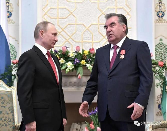 Phía sau vụ xung đột dẫm máu ba ngày vừa qua giữa Tajikistan và Kyrgyzstan ảnh 7
