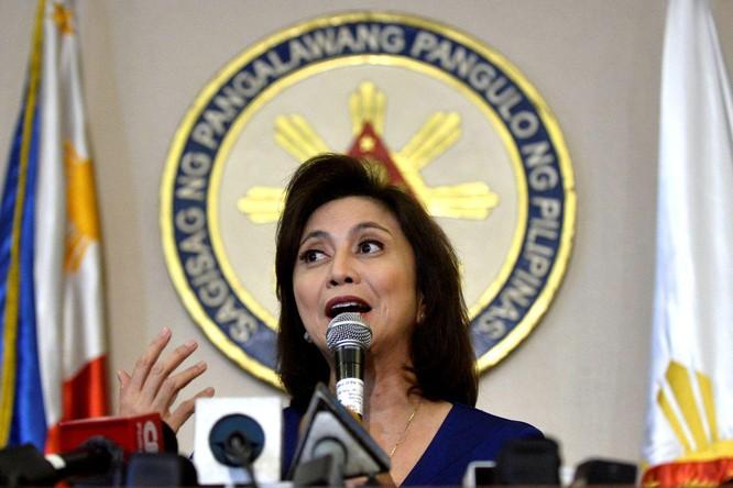 """Hai phe Tổng thống và Phó Tổng thống Philippines khẩu chiến về """"ai dâng lãnh thổ cho Trung Quốc"""" ảnh 1"""