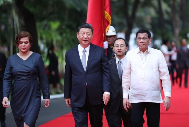 """Hai phe Tổng thống và Phó Tổng thống Philippines khẩu chiến về """"ai dâng lãnh thổ cho Trung Quốc"""" ảnh 2"""
