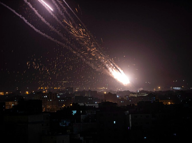 Bùng nổ xung đột dữ dội Israel - Palestine sau vụ đụng độ trong đền thờ Hồi giáo ở Jerusalem ảnh 4